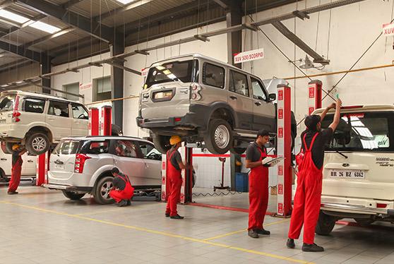 Mahindra scorpio service center Mohan industrial