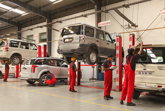 Mahindra scorpio service center Temparary Worksho